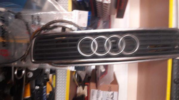Audi 80 (B4) кузов решетка